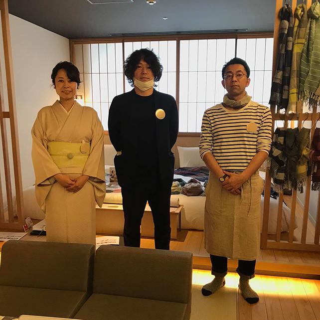 左から綾野さん、詫間さん、わたくし。